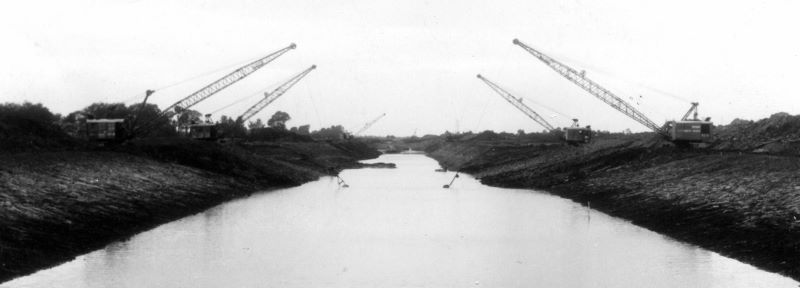 Huntspill River under construction