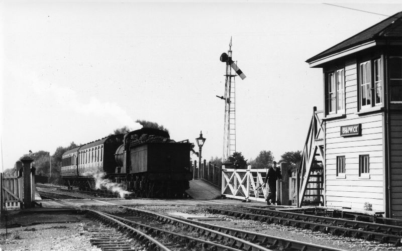 Shapwick station - railway level crossing